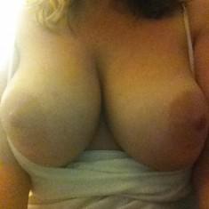 Courtrai, femme grosse poitrine cherche mec