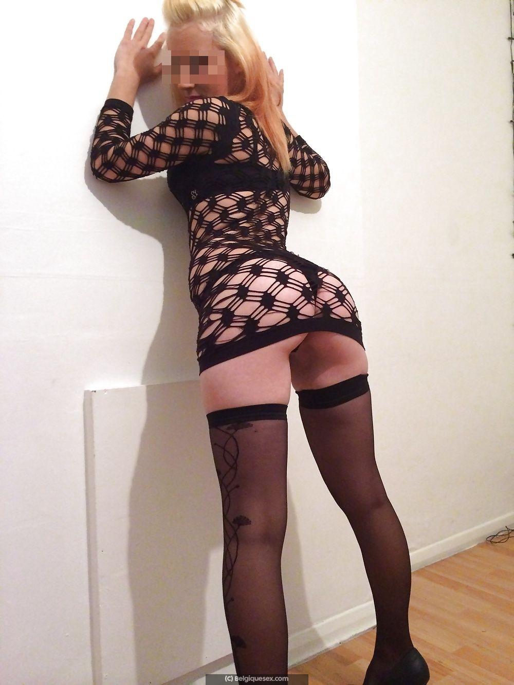 Blonde libertine Charleroi cherche 3 mecs pour gangbang