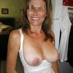 Liège, femme mature divorcée cherche bons moments de sexe