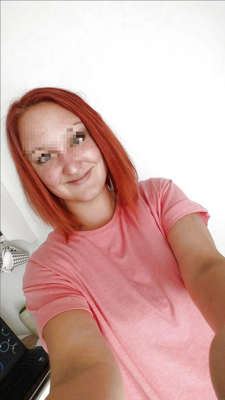 Clarisse, rousse célibataire de Bruxelles recherche rencontres calines