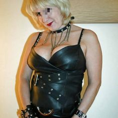 Domina mature engodeuse a Bruxelles